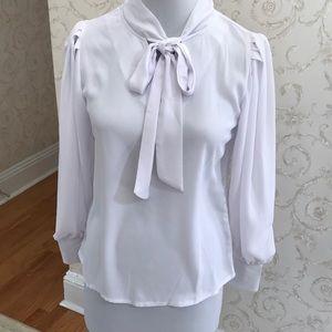 NWT White blouse. Size M